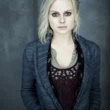 """iZombie: Rose McIver è Olivia """"Liv"""" Moore in una foto promozionale della serie CW"""