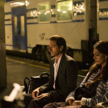Third Person: Moran Atias e Adrien Brody in una scena del film