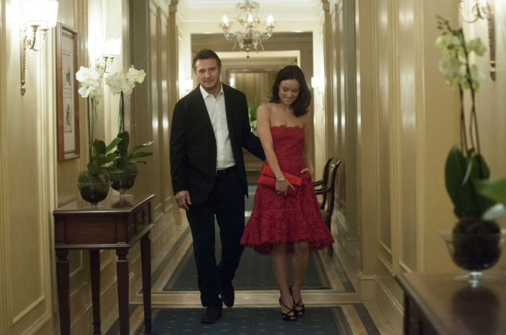 Third Person: Liam Neeson e Olivia Wilde in una scena del film