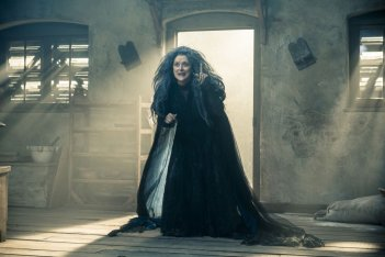 Into the Woods: la Strega Meryl Streep in una scena del film
