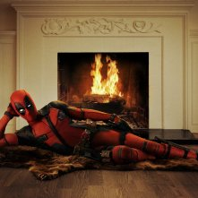 Deadpool: Ryan Reynolds indossa il costume del protagonista del film
