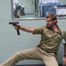 Humandroid: Hugh Jackman in una concitata scena del film