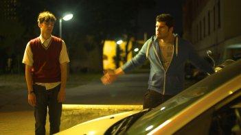 La dolce arte di esistere: Pierpaolo Spollon con Salvatore Esposito sono Massimo e Saverio in una scena del film