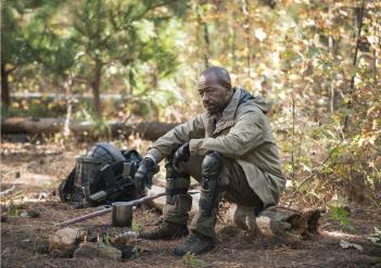 The Walking Dead: Lennie James in un momento del finale della stagione 5