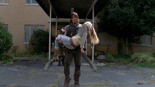 The Walking Dead: Norman Reedus in un'immagine spoilerosa del finale della midseason 5 che ha scatenato le ire dei fan