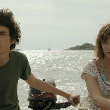 Short Skin: Matteo Creatini a largo con Francesca Agostini in un momento del film