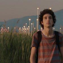 Short Skin: Matteo Creatini con gli occhi al cielo in una scena del film