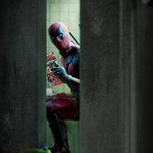 Deadpool: Wade Wilson/Ryan reynolds in un momento.... intimo