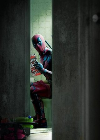 Deadpool: Wade Wilson/Ryan reynolds in un momento.... intimo