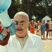 Le vacanze del piccolo Nicolas: Luca Zingaretti nei panni del produttore in una scena