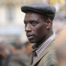 Samba: Omar Sy nei panni di Samba in un primo piano tratto dal film