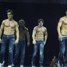 Magic Mike XXL: Channing Tatum, Matt Bomer, Adram Rodriguez e Joe Manganiello in una scena del film