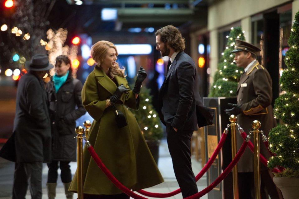 Adaline - L'eterna giovinezza: Blake Lively parla con Michiel Huisman in una scena del film