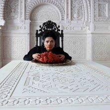 Il Racconto dei Racconti: Salma Hayek regina affamata in una scena del film