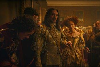Vincent Cassel e Stacy Martin in una scena del film