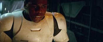 Star Wars: Episodio VII - Il risveglio della Forza: John Boyega nel secondo teaser