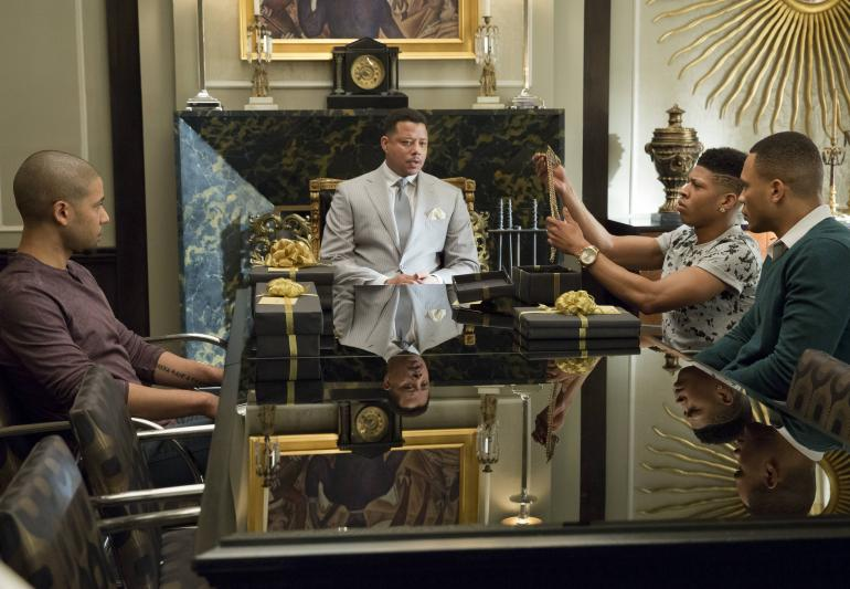 Empire: Lucious (Terrence Howard) e i suoi figli nel season finale Die But Once/Who I Am