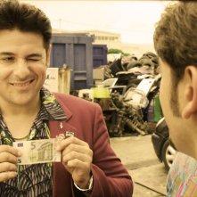 Le Frise Ignoranti: Dario Bandiera in una scena del film