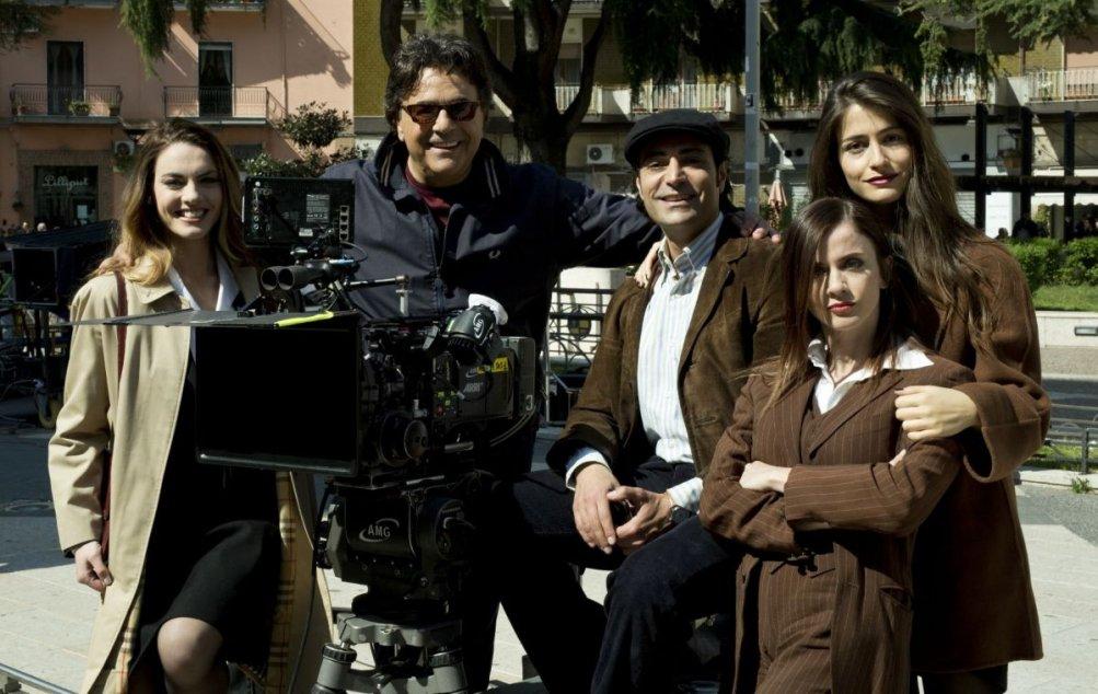 Il ragazzo della Giudecca: Pietro Delle Piane, Enrica Pintore, Loretta Rossi Stuart, Chiara Iezzi e Carmelo Zappulla in una foto promozionale del film