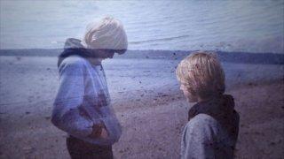 Kurt Cobain: Montage of Heck - Kurt Cobain sulla spiaggia all'età di 13 anni in una scena del documentario