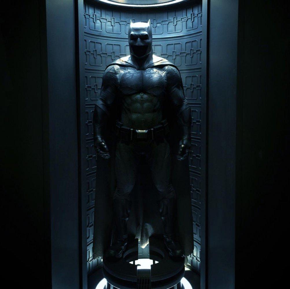 Batman v Superman: Dawn of Justice - La Batsuit nella sua interezza