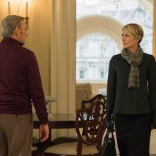 House of Cards: Kevin Spacey e Robin Wright nell'ultimo episodio della terza stagione
