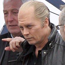 Black Mass: Johnny Depp senza capelli e con le lenti a contatto sul set