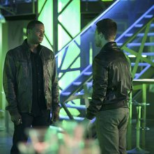 Arrow: David Ramsey e Stephen Amell in The Offer