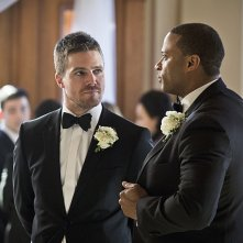 Arrow: gli attori Stephen Amell e David Ramsey nella puntata Suicidal Tendencies