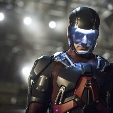 Arrow: Brandon Routh interpreta Atom in Suicidal Tendencies
