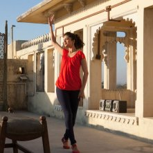 Ritorno al Marigold Hotel: Tena Desae, nei panni di Sunaina, si prepara per il matrimonio in una scena del film