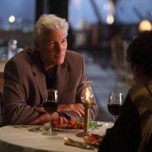 Ritorno al Marigold Hotel: Richard Gere nel ruolo di Guy Chambers in una scena del film