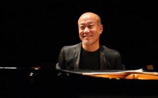 Joe Hisaishi durante una performance