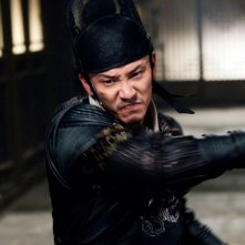 Brotherhood of Blades: Chang Chen in una scena action del film