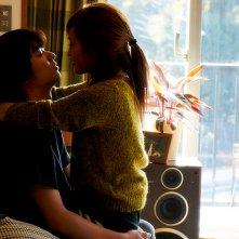 Kabukicho Love Hotel: Shota Sometani con Atsuko Maeda in una scena