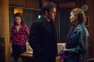 Wayward Pines: Matt Dillon, Siobhan Fallon e Melissa Leo in una scena del pilot della serie