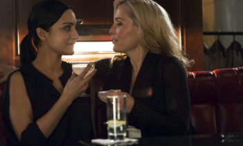 The Fall: le attrici Archie Panjabi e Gillian Anderson