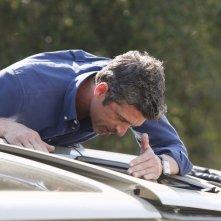 Grey's Anatomy: Derek in una scena di How to Save a Life