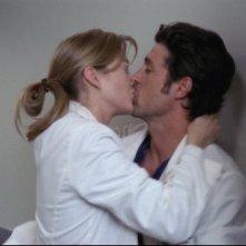 Grey's Anatomy: un bacio tra Meredith e Derek nell'episodio Quando il gioco si fa duro