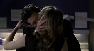 Grey's Anatomy: un romantico momento tra Derek e Meredith nell'episodio Ho perso il mio credo