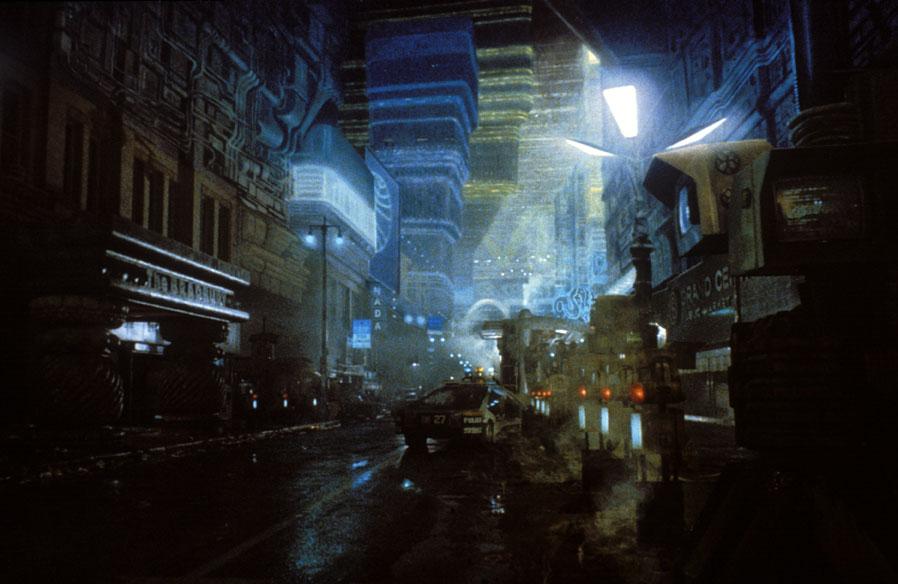 Una visuale futuristica di BLADE RUNNER