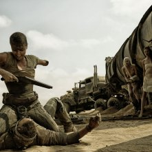 Mad Max: Fury Road, Charlize Theron in una rocambolesca scena del film