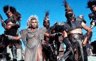 Mad Max oltre la sfera del tuono: una scena con Tina Turner