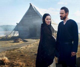 Macbeth: Michael Fassbender con Marion Cotillard in un'immagine promozionale del film