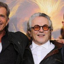 Mad Max: Fury Road - Il regista George Miller tra Mel Gibson e Tom Hardy alla premiere di Hollywood
