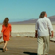 Valley of Love: Gérard Depardieu con Isabelle Huppert in una scena del dramma