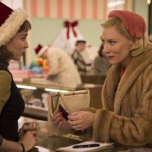 Carol: Cate Blanchett e Rooney Mara in una scena del film
