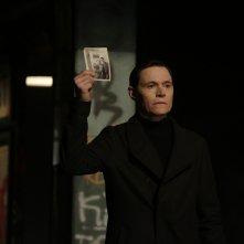 Forever: l'attore Burn Gorman interpreta Adam nell'episodio The Last Death of Henry Morgan