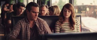 Irrational Man: Emma Stone e Joaquin Phoenix in una scena del film di Woody Allen