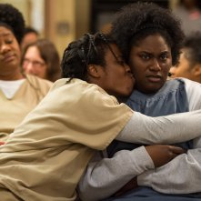 Orange is the New Black: Uzo Aduba in una scena della terza stagione